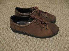 Ladies Ecco Flat Brown Leather Lace Up Shoes Size 38 Light Use!!