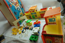 VINTAGE FISHER PRICE TOY PLAY FAMILY VILLAGE ORIGINAL BOX 1973 997 LITTLE PEOPLE
