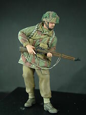 1/35th WWII British Para Standing (Lee Enfield) Wee Friends WF35023 unpainted