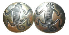 """VINTAGE OLD MEXICO ANIMAL CREATURE 1.25"""" ROUND STERLING SILVER SHIELD EARRINGS"""