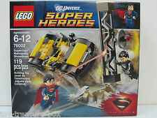 LEGO 76002 DC Universe Super Heroes - Superman Metropolis Showdown -  119pc set