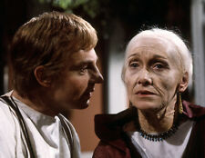 Derek Jacobi and Sian Phillips UNSIGNED photo - H6156 - I, Claudius