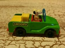 Vintage Peanuts Snoopy in Green Jeep 1966 United Feature Inc EUC