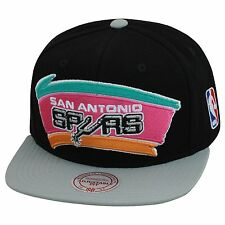 Mitchell & Ness San Antonio Spurs Snapback Hat Black/Grey/Pink XL