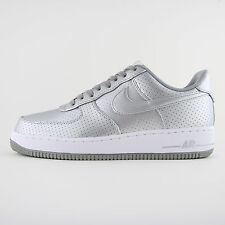 NUOVA linea uomo Nike Air Force 1 07 lv8 Argento in Pelle Tg UK 9 BN 718152 013