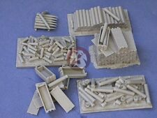 Resicast 1/35 British Priest Stowage #2 (105mm Ammo & Containers US & UK) 352295