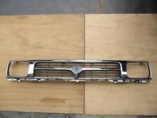 TOYOTA HILUX PICKUP 2WD 1992-1995 CHROME PAINT GRILLE with Clips