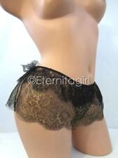 SMALL VICTORIA'S SECRET DESIGNER COLLECTION BLACK/ GOLD CHANTILLY PANTIES NWT
