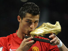 Cristiano Ronaldo UNSIGNED photo - B152 - With Golden Boot