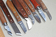 LOT OF 8 CHIP CARVING WHITTLING KNIVES FOR HOBBY CARVING WORK BENCH & LEATHER