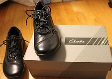 CLARKS Leather Walking Shoes - 7-1/2 Wide - Black Tie up - Classic  Women/Misses