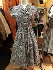 STUNNING TRUE VINTAGE 1950's Navy AND WHITE COTTON  DAY DRESS - SIZE 8
