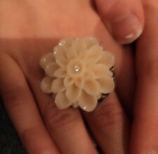 Katy Perry Girls and Womens Cream Flower Ring Small New Mothers Day