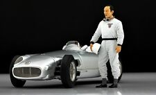 Stirling MOSS 2 Figure for 1:18 Mercedes W196 CMC