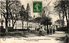 CPA Tours - Square de l'Archeveche Monument Bretonneau (253559)