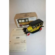 PAYA 1930 TAXI CAR WIND UP TIN TOY MINT IN BOX LIMITED EDITION RARE