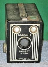 Vintage BROWNIE TARGET SIX-20 Box Camera by Eastman Kodak Co USA