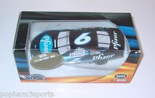 MARK MARTIN 2002 HOT WHEELS 1/24 DIECAST CAR NASCAR #6 PFIZER NIB