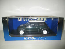 BMW MINI COOPER RACING GREEN AUTOART SCALA  1:18
