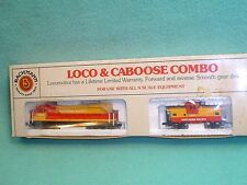 UNUSED BACHMAN SOUTHERN PACIFIC DIESEL LOCOMOTIVE AND CABOOSE #7030 N SCALE