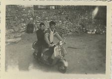 PHOTO ANCIENNE - VINTAGE SNAPSHOT - VESPA SCOOTER MOTO - MOTORCYCLE