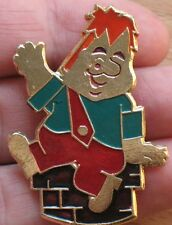 Russian Pin Badge Buttons CARTOON HERO Metal Karlsson Roof Story Lindgren Vintag
