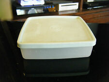 Vintage Tupperware 670-33/34 Square-A-Way Container & Lid 671-29/32