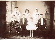 C207 Photographie vintage original enfant famille déguisement unusual