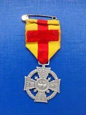 N°17 insigne religieux médaille religieuse Coeurs de Jésus Notre Dame de Lourdes