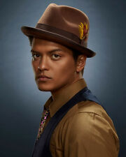 Bruno Mars Awesome Hut 10x8 Foto
