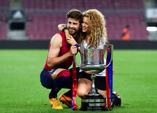 Gerard Pique and Shakira UNSIGNED photo - H2622