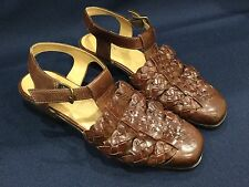 NEW GH Bass NWOB Women 8.5 Brown Leather NEWTOWN Strap Buckle Sandals WOVEN