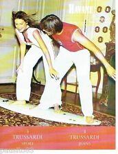 PUBLICITE ADVERTISING 116  2004  Trussardi Sport  jeans  Havane