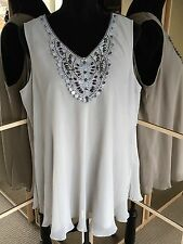 SAVOIR LADIES LOVELY LINED FLOATY TOP WITH BEADED CROTCHET FRONT DETAIL SIZE 18