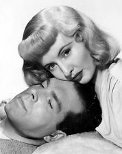 Fred MacMurray and Barbara Stanwyck UNSIGNED photo - C1047 - Double Indemnity