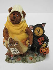 """Boyds #228408-2E *""""Candy B. Corn and Scaredy Bear.Trick or Treat"""" * Brand New"""
