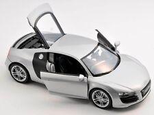 BLITZ VERSAND Audi R8 V10  silber / silver Welly Modell Auto 1:24 NEU & OVP