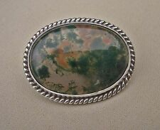 SCOTTISH SILVER & MOSS AGATE BROOCH, MALCOLM GRAY, 1978.