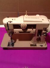 VINTAGE SINGER SEWING MACHINE 401A