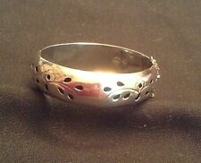 Vintage TAXCO MEXICO 925 STERLING SILVER HINGED BANGLE BRACELET