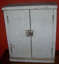 ANTIQUE PRIMITIVE WOODEN WALL CABIINET CRACKLED WHITE PAINT 2 DOORS WOOD SHELF