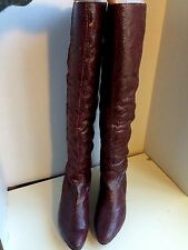 NEW POUR LA VICTORIE OVER THE KNEE SNAKE SKIN BOOTS LEATHER LINED BURGUNDY $495