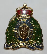VINTAGE ROYAL CANADIAN MOUNTED POLICE RCMP MAINTIENS LE DROIT PIN