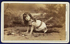 vintage curious cdv photo Dutch young girl on hands & knees Zwolle  foto ca 1880