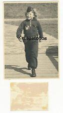 Kind in Uniform mit Messer Wappen ? Pfadfinder Nachkrieg Foto