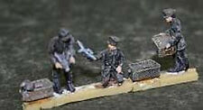 MGM 100-26 1/72 Resin German WW1 pigeon communication team