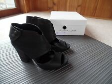 New Latitude Femme Heels Sandals Size 39 EURO, 8 US Black Leather Made in Italy