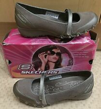 Ladies Taupe Sassies Skechers Shoes Size 6/39 New In Box