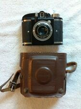 VINTAGE BEACON CAMERA AND CASE WHITEHOUSE PRODUCTS USA MADE BROOKLYN NEW YORK