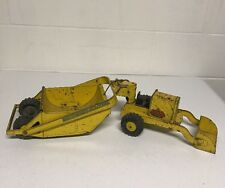 VINTAGE TRUCK LUMAR STEEL CONSTRUCTION EARTH HAULER TOY OLD TOY